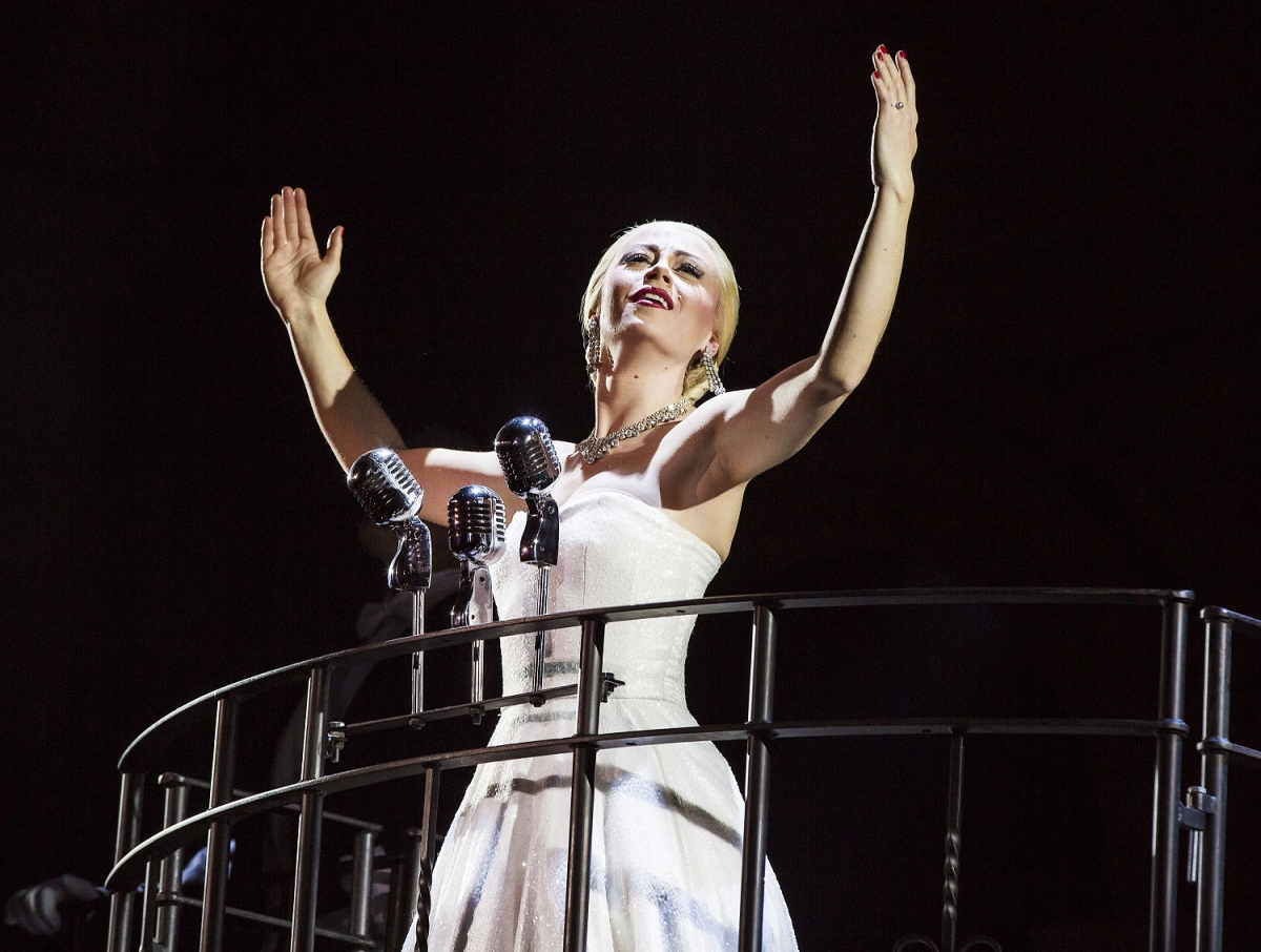 Emma Hatton Evita, Pamela Raith Photography