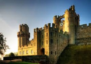 FAMILIES FIGHT THE CLOCK AS WARWICK CASTLE LAUNCHES MEDIEVAL GAOL ESCAPE ROOM