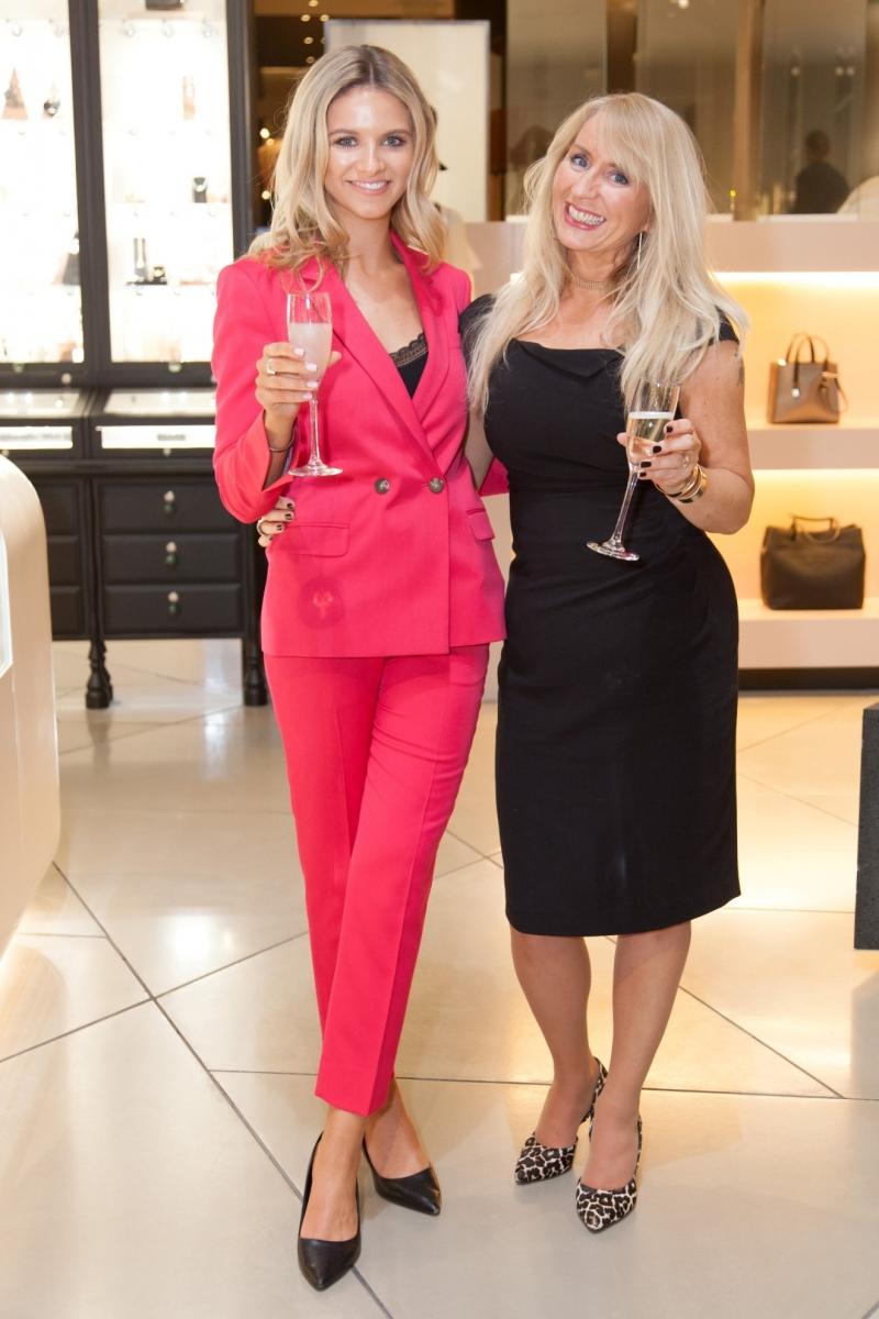 20 Luisa Hackey and Lisa Piddington