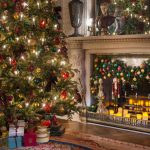CHATSWORTH GETS READY FOR CHRISTMAS