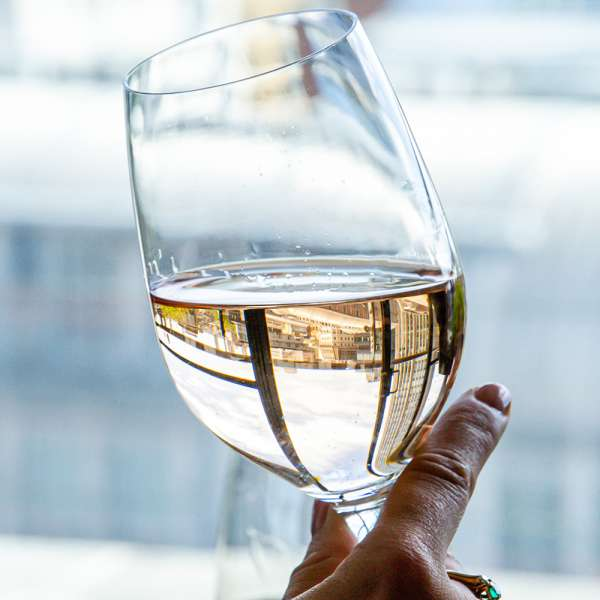 DLUXE Birmingham magazine is excited to announce that we've teamed up with the fabulous Harvey Nichols for a real-life, in-store wine tasting event